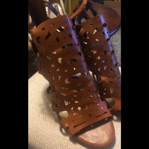 Jessica Simpson Shoes - ❗️💥FLASH SALE💥❗️JESSICA SIMPSON GLADIATOR HEELS